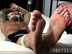Free gay male feet porn and nude male foot model Dolfs Foot