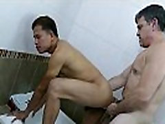 Mature dilf barebacking pinoy in bath
