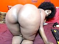 African Mature Shows Off Her Monster Booty On Cam