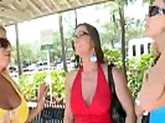 Horny Mature Lesbians Have Amazing Sex On Camera vid-29
