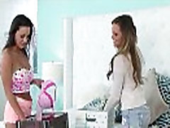 Gorgeous lesbian fingerfucked before queening