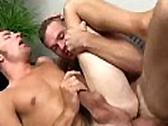 Straight amateur hunk gets fucked anally for cash