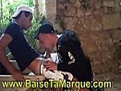 Clique ici pour rentrer sur BAISE TA MARQUE.COM le site de video gay de sneaker