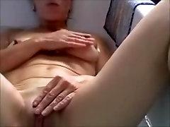saggy mature masturbating in bath
