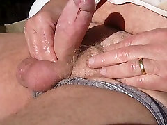 I massage my cock with vaselin