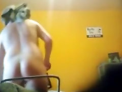 Babe without clothes gets voyeured after shower