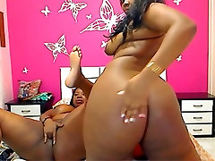 Webcam - Black-Latina BBWs with big asses teasing
