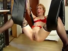 Kinky german mature toyed in a loveswing