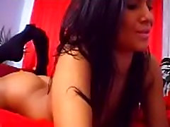 Titty-Cam.com - Beautiful latina complete cam show