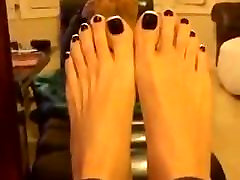 Pretty Asian Feet and Toes spread