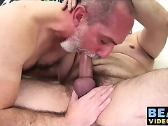 Big daddy bears barebacking and blowing dicks at the home