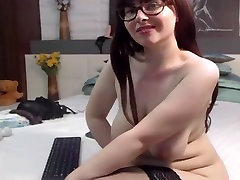 Curvy german mature on cam