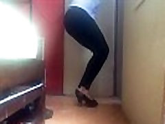 Tranny walking ik black heels