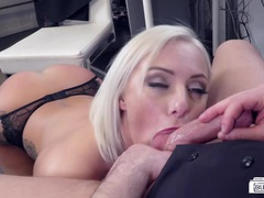 BUMS BUERO - Big-titted German blondie Lilli Vanilli takes hard pounding at the office