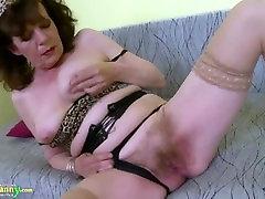 OldNannY Hairy Granny Pussy Toying Masturbation