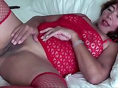 ASIAN WIFE PROVOCATIVE AND SUCK COCK