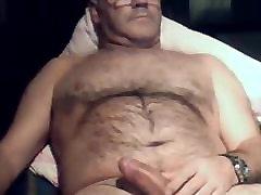 Hairy daddy bear 22917