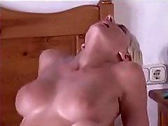 Oiled Massage Sex - SlutCams.xyz