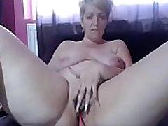 Hottest mature milf with big ass live cam - camtocambabe.com