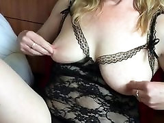 Tintingirl squirts using toy