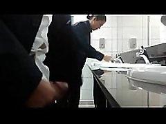 CurtoPezaoBH - Gozou na pia do banheiro do shopping