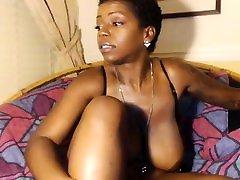 Amateur BBW webcam masturbation