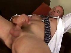 Beefy Guy Jerks Off & Cums