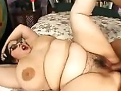 Goth chick with hairy pussy fucking
