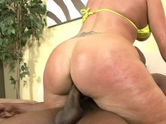 Hot big butt MILF nailed by ebony cock