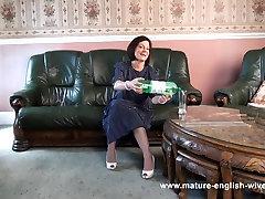 Mature English Sophie