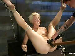 Sassy Dylan Ryan gets her pantie pot toy fucked