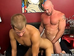 Gay video Muscled hunks like Casey Williams love to get some