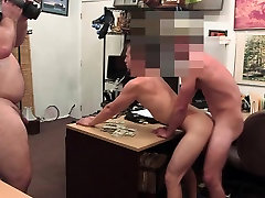 Pawnshop straight in gay anal debut as he gest ravaged
