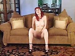 2005-10-21 Justine Joli in String Panties Strip