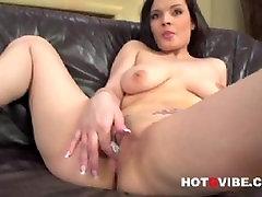 Nicole Fingering 2