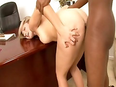 Kylee Reese Gets A Nice Deep Dicking On A Desk