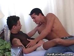 Cock Sucking Latino Men Darien And Leon
