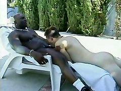 Black daddy Muscle fucks white guy