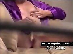 voyeuring my mom toying her pussy