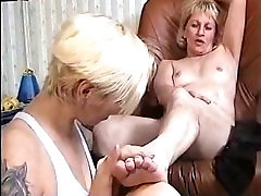 young slave girl worship mature mistress feet