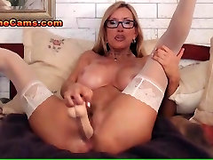 Busty Mature Babe Cam Show