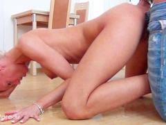 Laura Paradis - German Teeny pee bitch