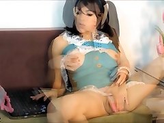 TS FILIPINA ASIAN FILIPINA SHEMALE STROKING COCK