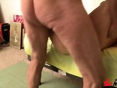 Scambisti Maturi - Mature Italian amateur in hot MMF sex