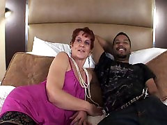 Mature Lady with Nice Ass in 1st Amateur Video