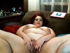 Chubby bbw mom fingering cunt webcam