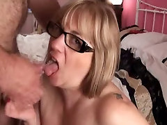 Mature wife wants facial