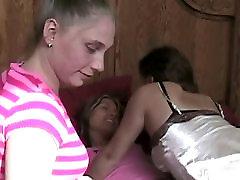 Threeway lesbian foot fetish orgy