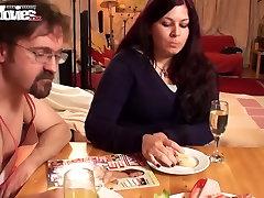FUN MOVIES Amateur Breakfast Blowjob