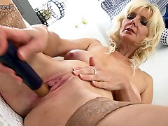 Gorgeous mature mom